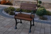 Kráľovská stolička s lakťovými opierkami Vlašský orech